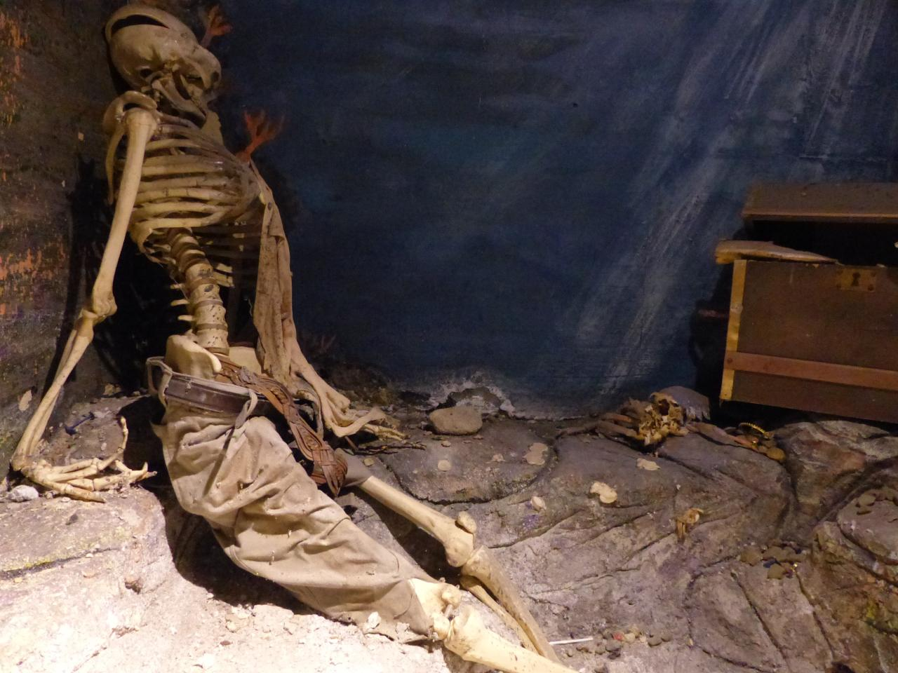 Squelette gardant son trésor